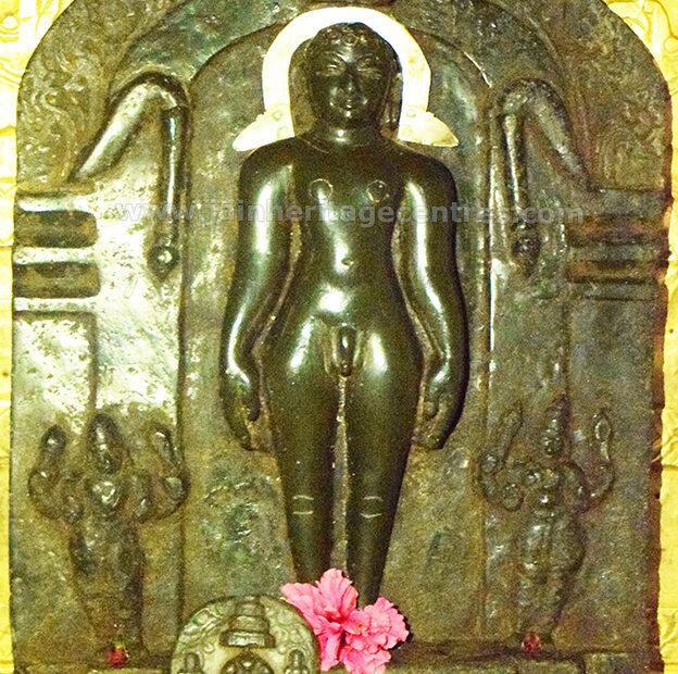 Ancient Idol of Tirthankar Vardhaman Mahavir in Kayotsarga, 12th Century, Sri Vardhaman Mahavir Basadi, Hongere, Hassan District, Karnataka, India.