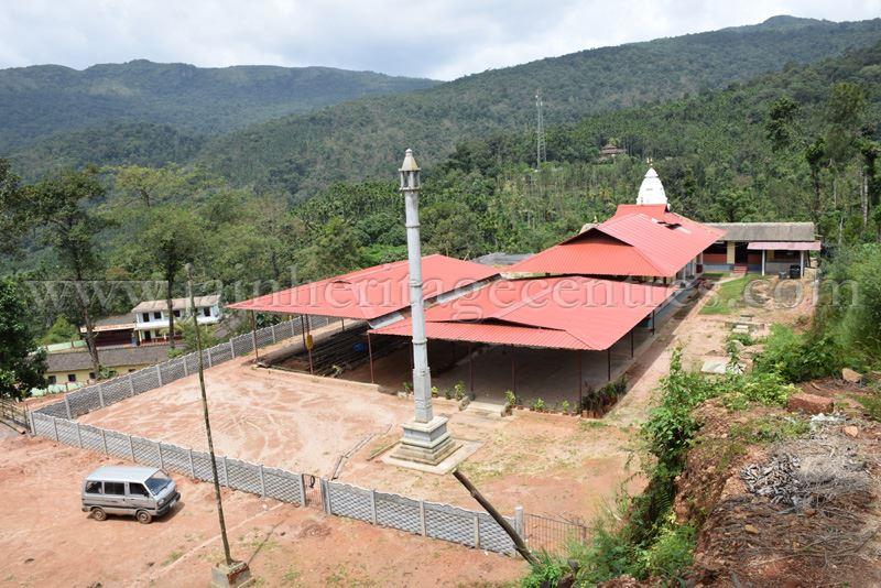 Sri Sahasraphani Parshwanath Swamy Digambar Jain Basadi, Shanthigiri, Horanadu.