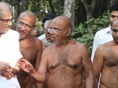 Jain Acharya Sri Vardhamansagarji Maharaj arrived at Dharmasthala for the Bahubali-Mahamastakabhisheka 2019.