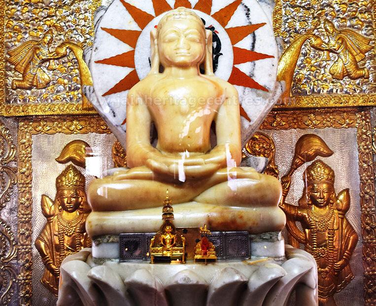 Ancient idol of Tirthankar Padmaprabhu in Padmasana, Padampura, Jaipur District, Rajasthan, India.
